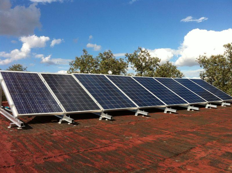 instalacion fotovoltaica aislada saergy